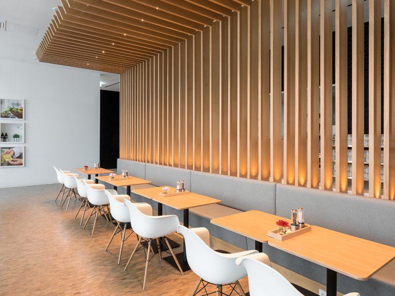 Candela-Lichtplanung-Betriebsrestaurant-Wolff-Mueller-FischerRuedenauerArchitekten-02a