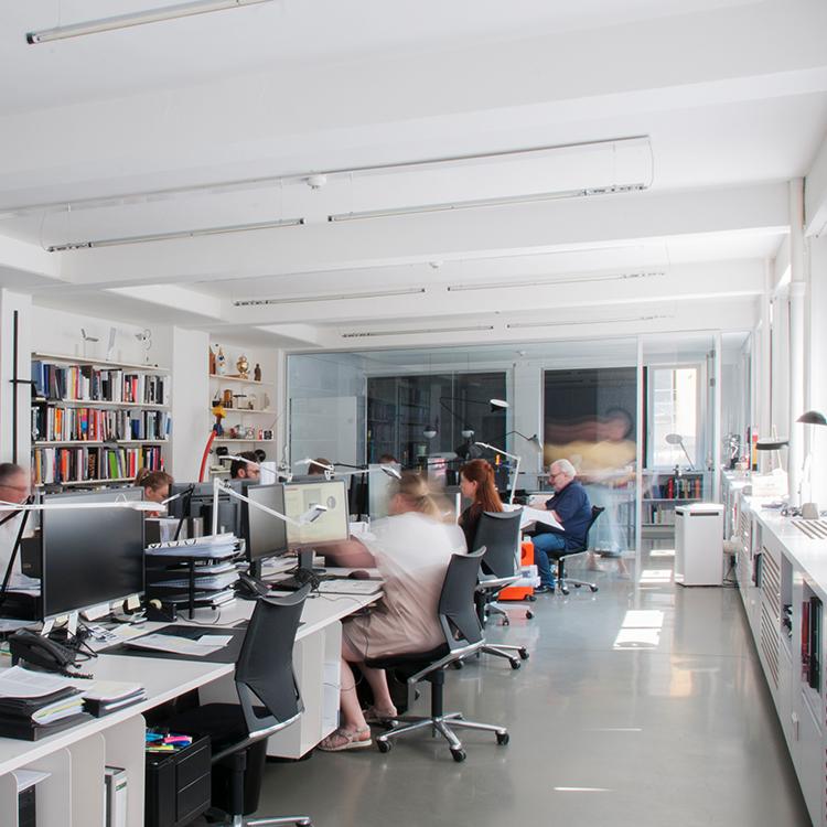 candela-ankunft-büro