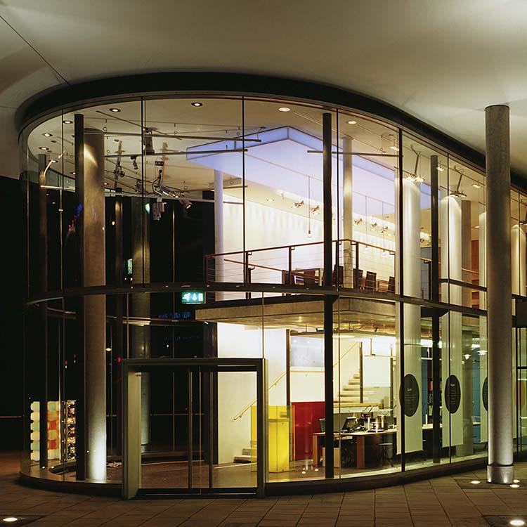 candela-showroom-2002