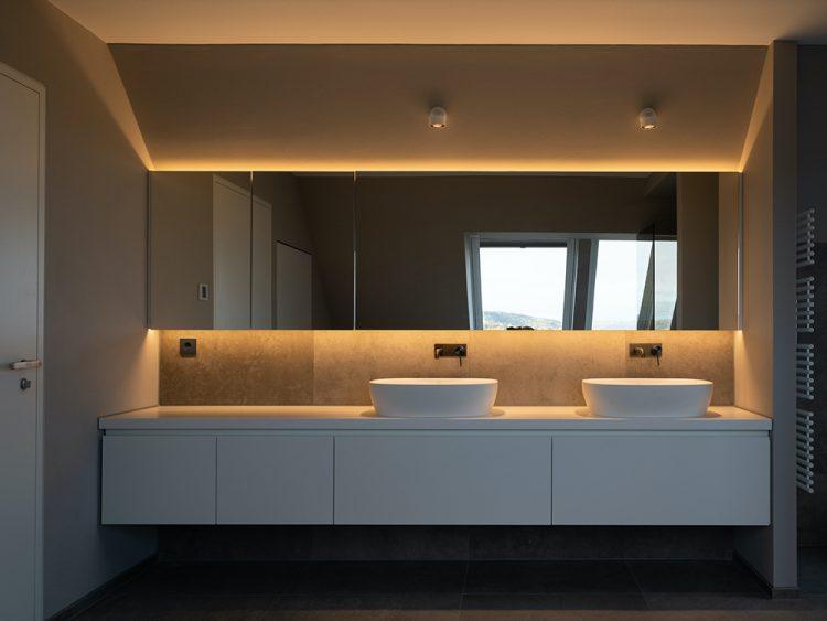 0711 Maisonette Stuttgart von Cyrus Ghanai Badezimmer