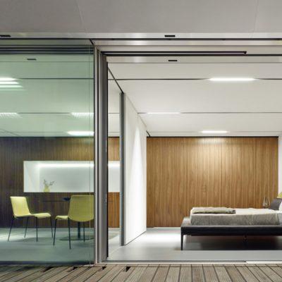 Bild-4_a-glass-box-of-a-house_quadratisch