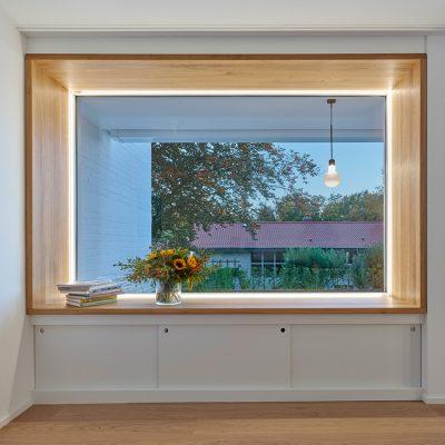 candela-EFH-Gerlingen-Holzerarchitekten-Fenster-mit-licht